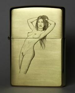 Zippo w nude engraving